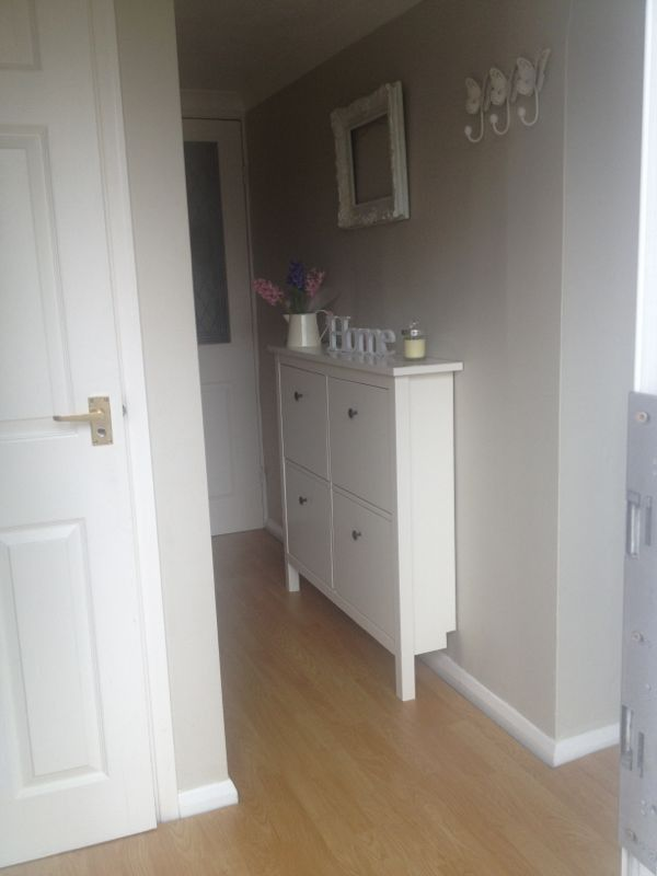 Shabby chic small shoe storage for small hallway ideas for Small hallway ideas