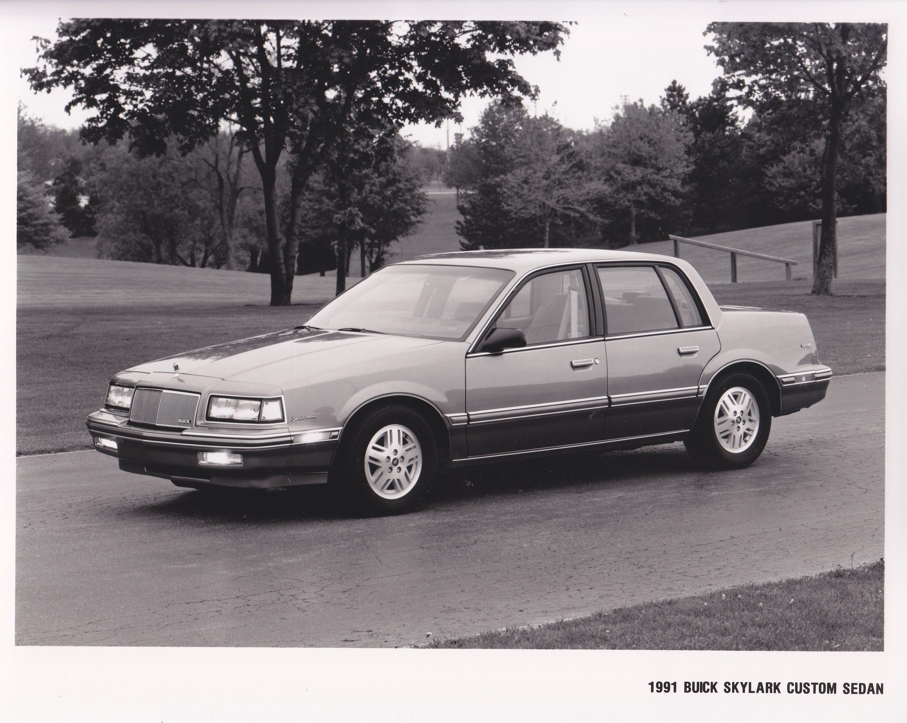 Buick Skylark Custom Sedan 1991 USA