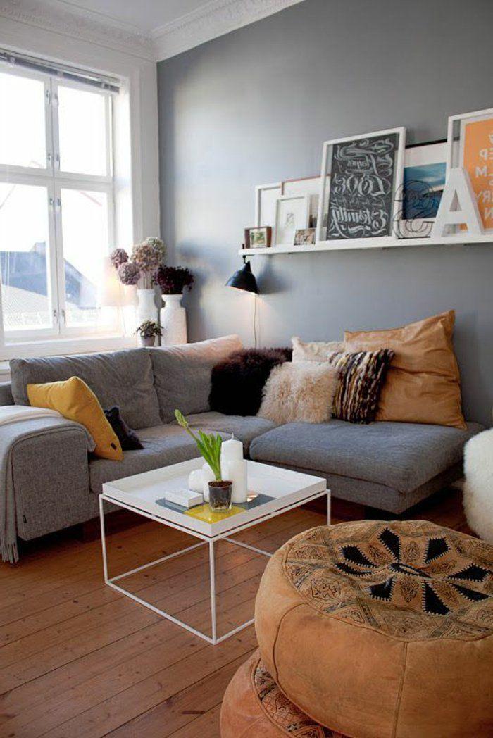 Graues Zimmer graues zimmer mit quadrate niedriger tisch bilderleiste schön