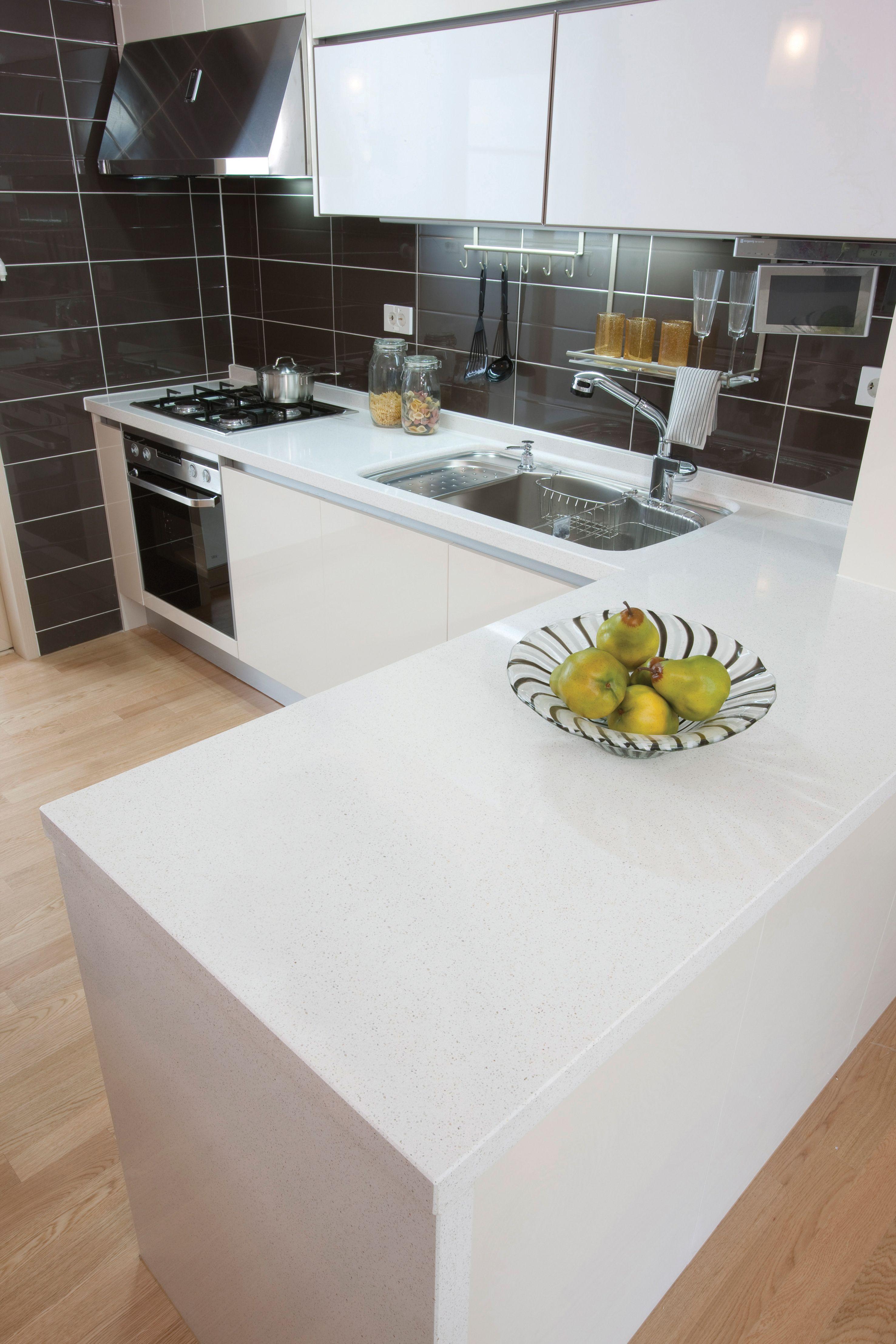 Samsung Radianz Quartz - Everest White Countertops - KBIS Exhibitor ...