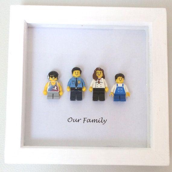 cadre de portrait de famille personnalis lego par framedbylove astuces d co et rangements diy. Black Bedroom Furniture Sets. Home Design Ideas