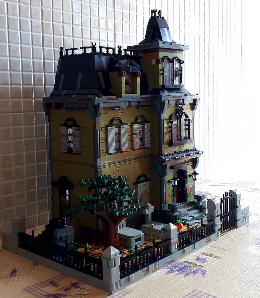 Haunted House In 2020 Haunted House House House 2