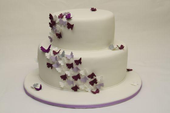 2 Stockige Hochzeitstorte Mit Schmetterlingen Hochzeit Cake