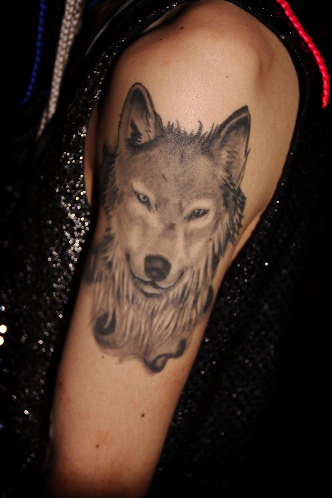 31++ Stunning Wolf head shoulder tattoo ideas in 2021