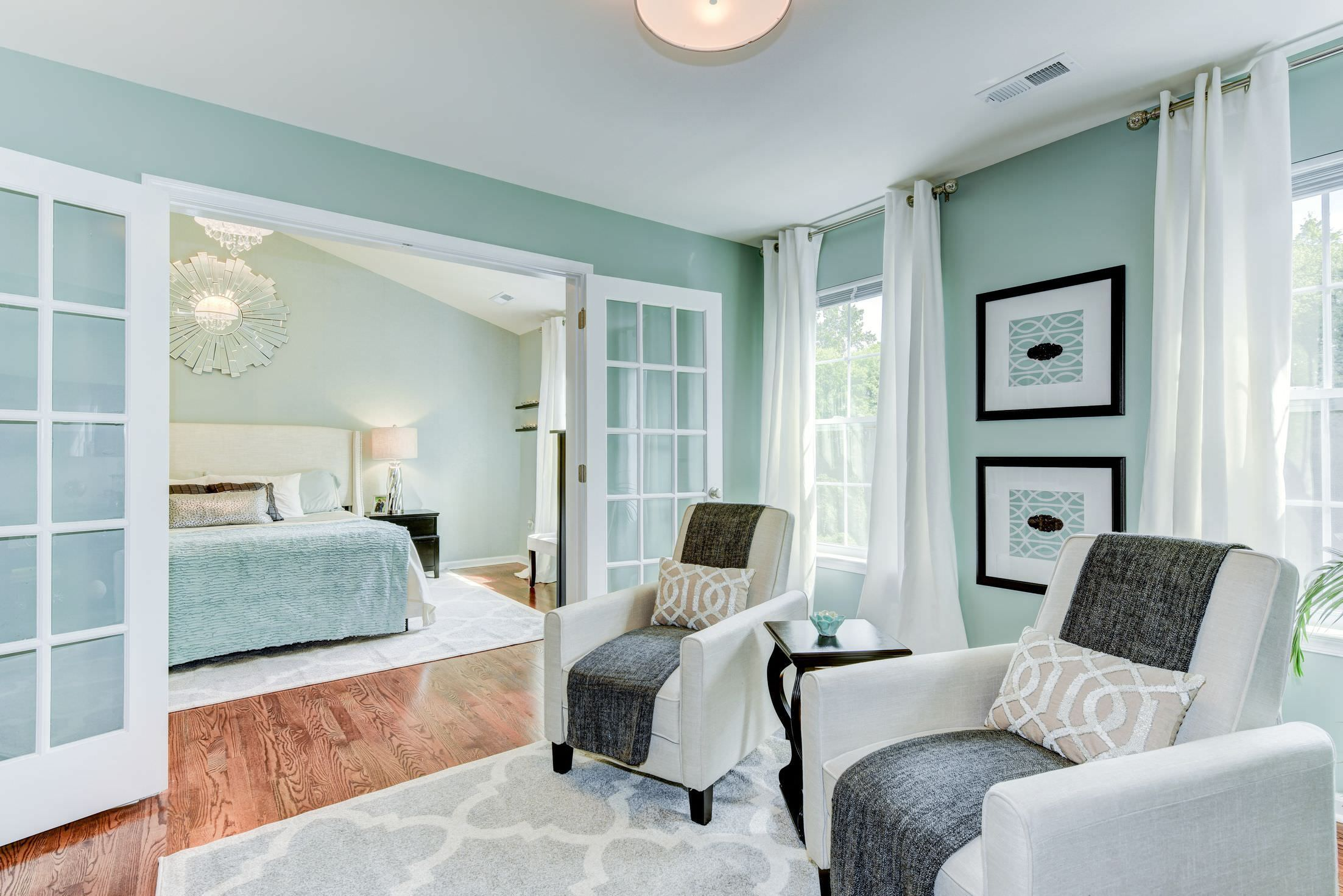 44 Master Bedroom Ideas With Sitting Area Reading Chairs ...