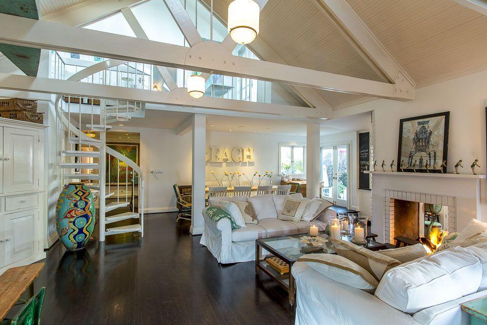 Venice Beach House Rental The Classic Beach House At The Beach Homeaway House House Rental Home And Family