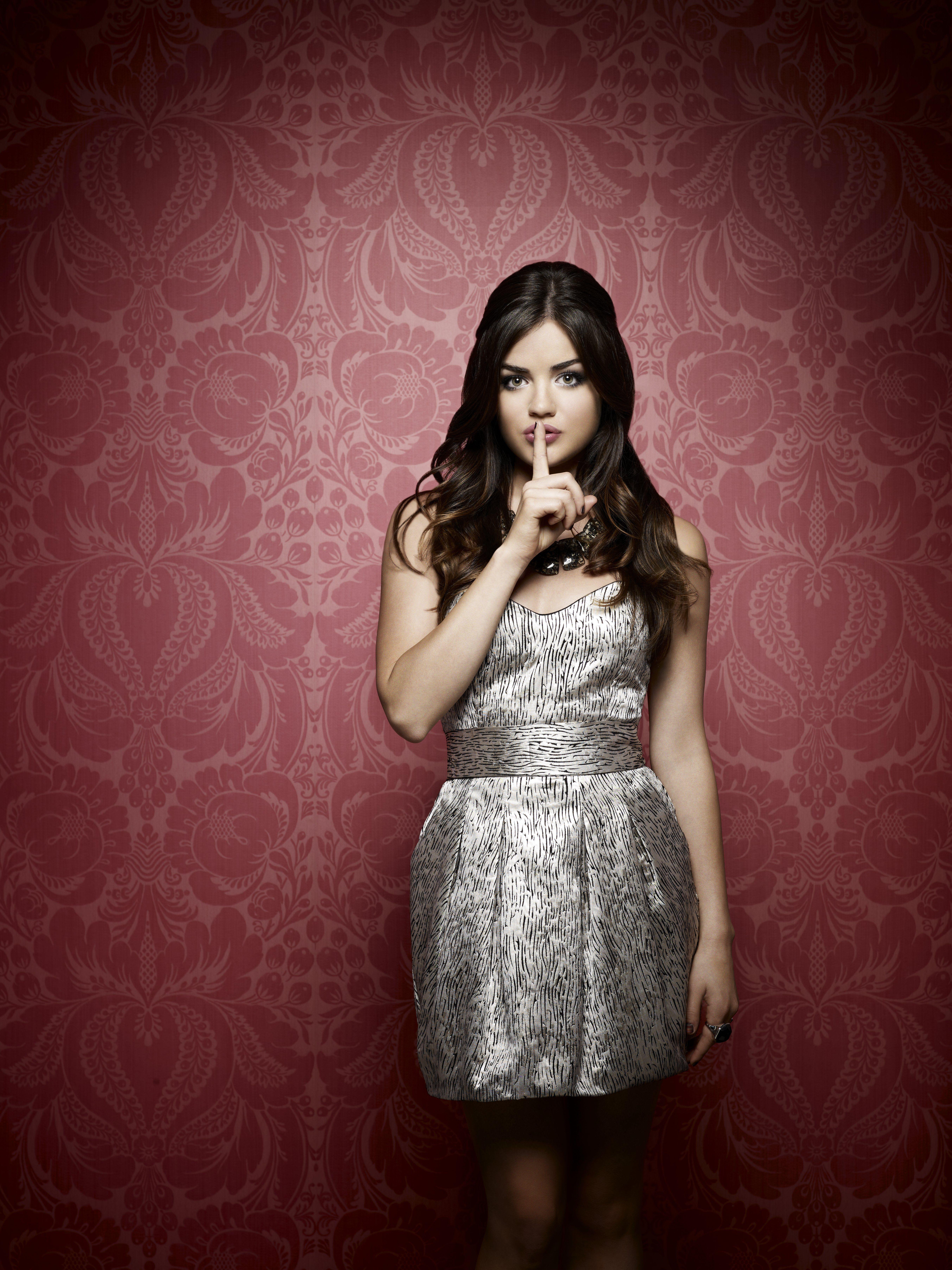 Pretty Little Liars, 2. Sezon, Özel Çekim: Lucy Hale (Aria ...