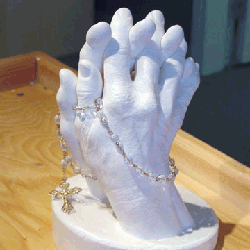 Rosary and Hand Casting from an alginate mold | Accu-Cast