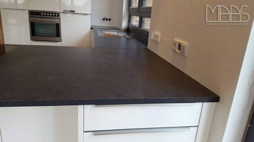 Aufmaß, Lieferung und Montage der #Krishna #Black #Granit - arbeitsplatten granit küche