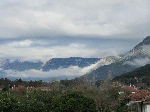 Bulutlar Sakar'a tırmaniyor