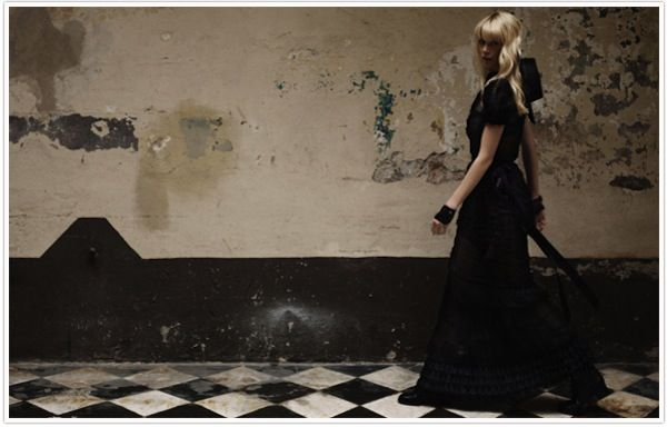 claudia-schiffer-by-lagerfeld-for-chanel-3