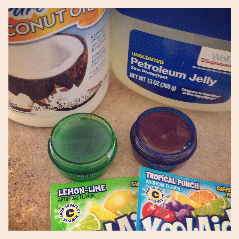 Homemade lip gloss 1tsp coconut oil 1tsp vaseline 1