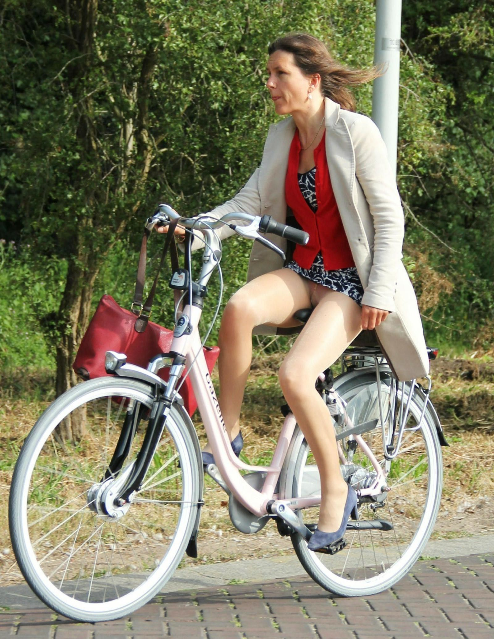 naked-hot-girls-on-bicycles-with-mini-skirt-forum-dunia-sex