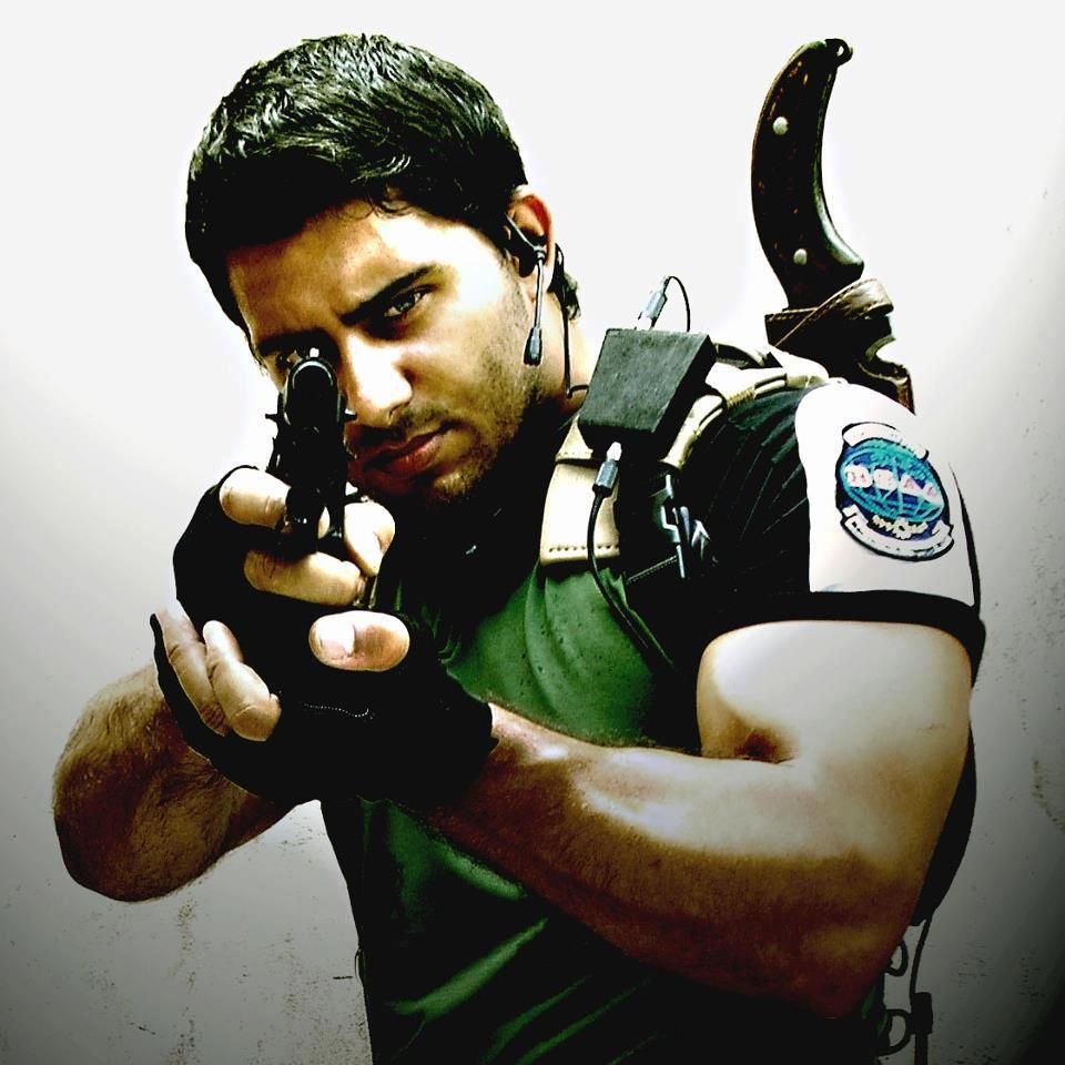 A Perfect Cosplay of Chris Redfield.