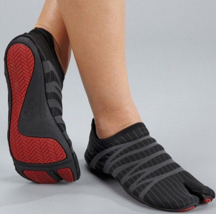 Split Toe Shoe
