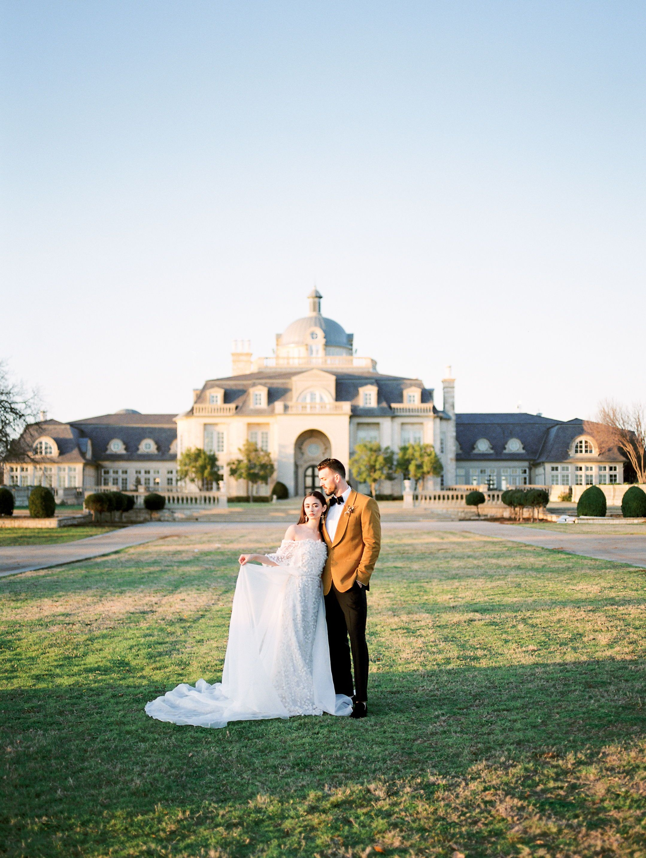 Colorful Wedding Inspiration At The Olana In 2020 Wedding Venues Texas Destination Wedding Photographer Wedding Colors