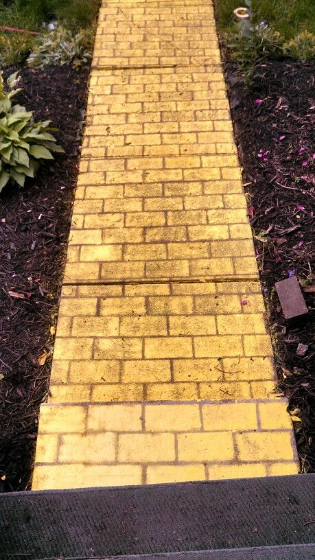 yellow brick road--gonna have one in the garden(made of wood)   My ...
