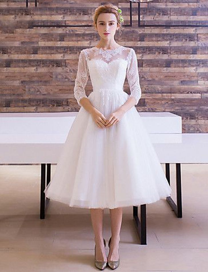 22 Retro Inspired Wedding Dresses That Won T Make Your Bank Account Sad