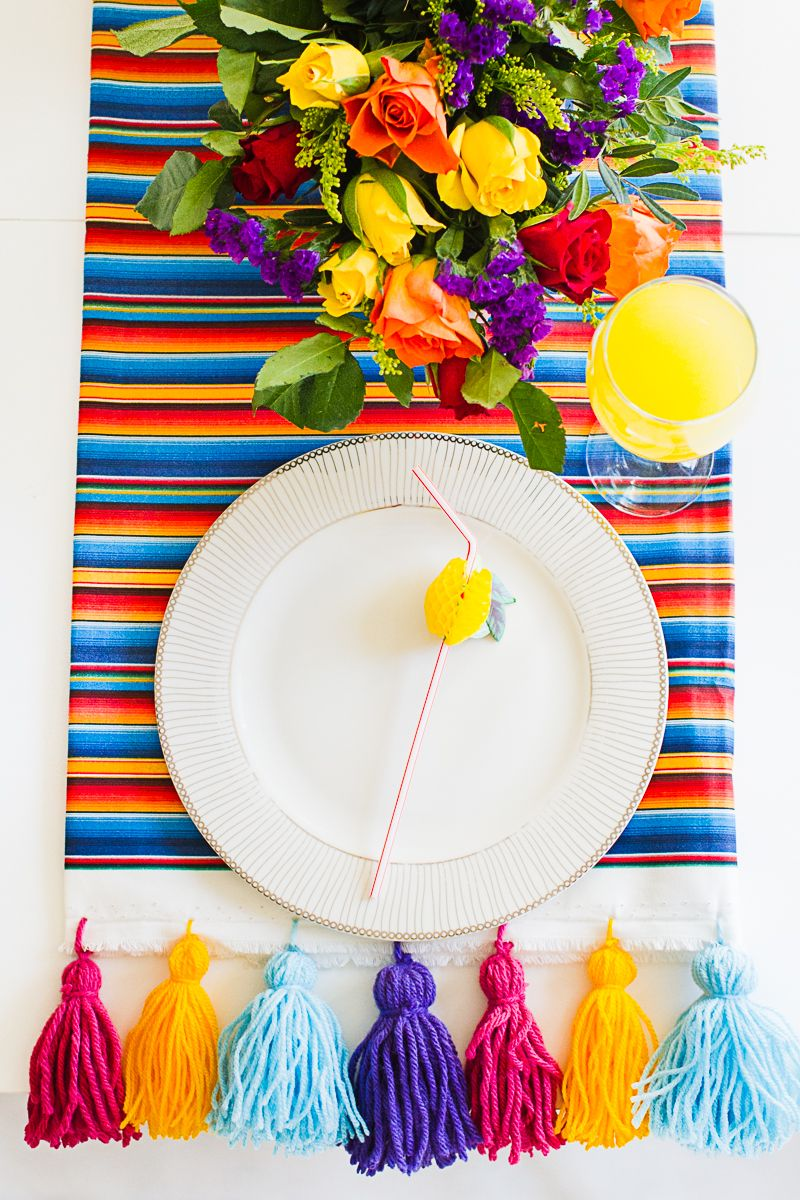 EASY DIY MEXICAN INSPIRED TASSEL TABLE RUNNER | Pinterest | Diy ...