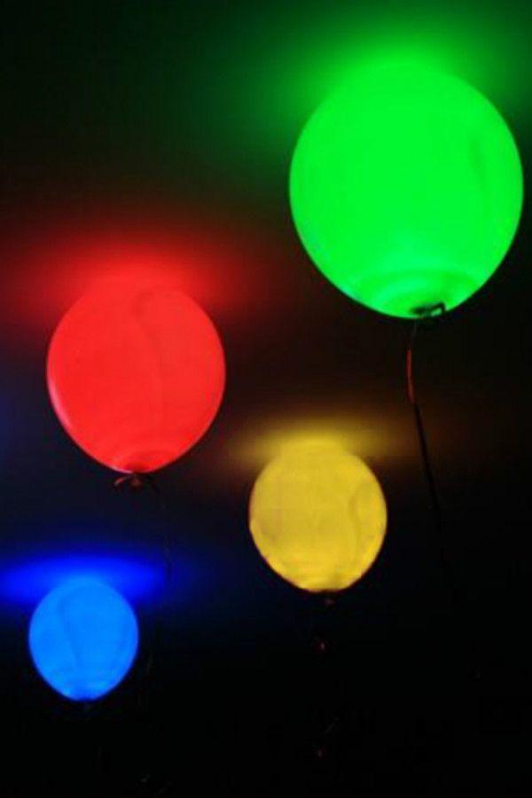 Heb je binnenkort een feestje in de avond of in een donkere bar? Dan ...