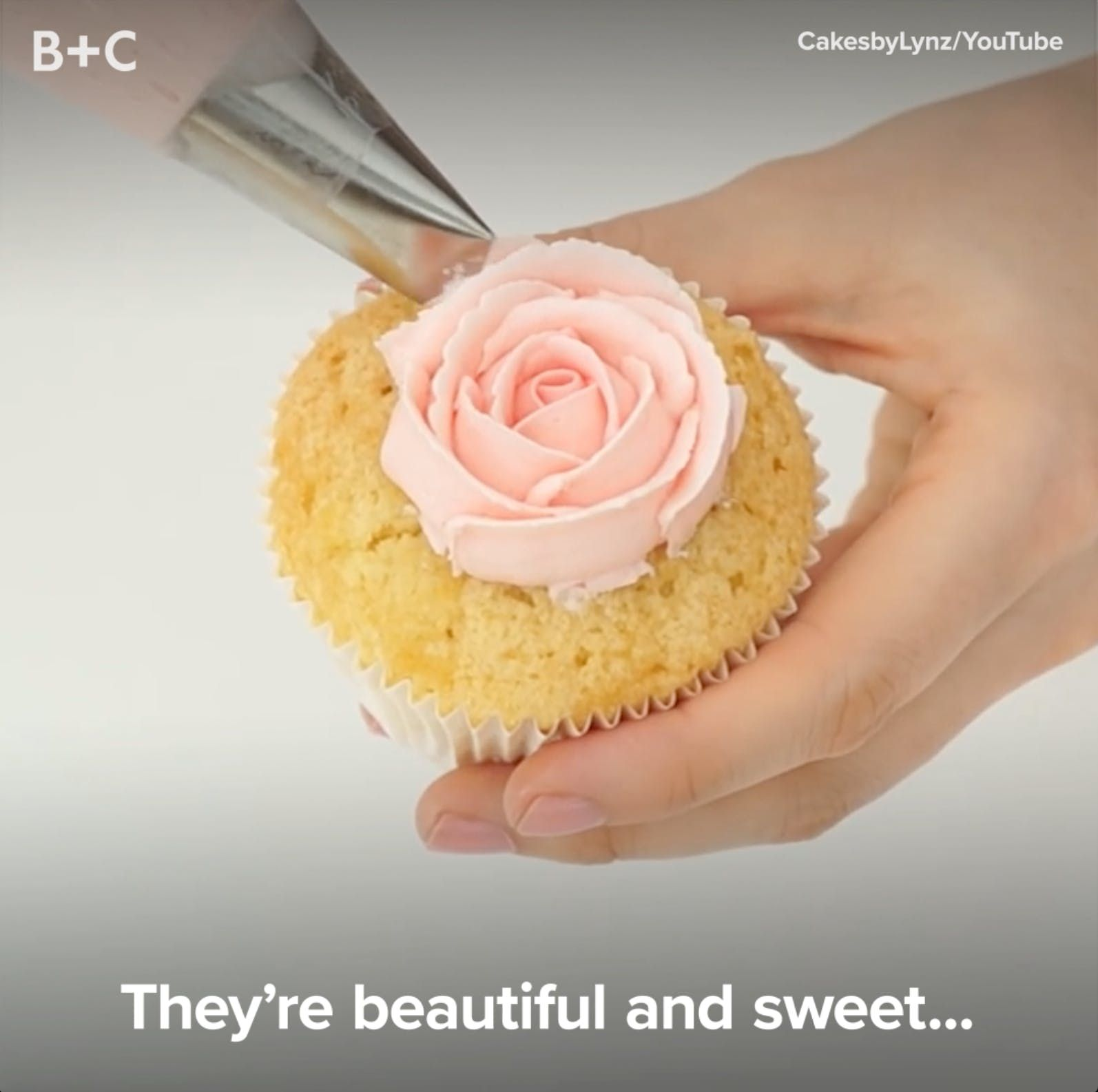Frosting Flowers Are WAY Better Than the Real Deal #onlineclasses