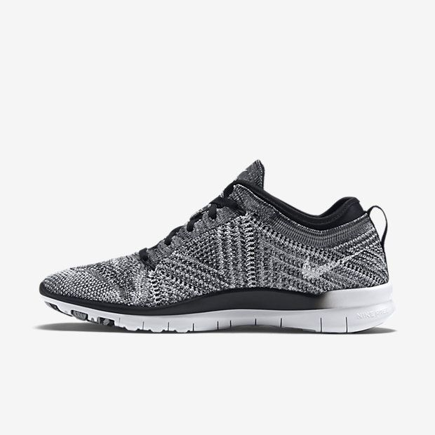 nike runners black and white women's clothing store