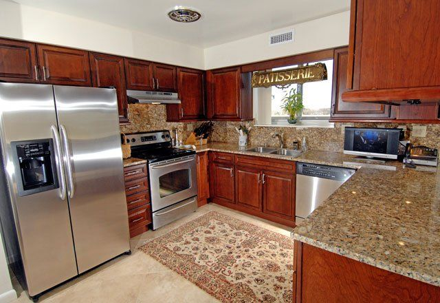 Penthouse Kitchen The Hamptons Luxury Apartments Beachwood Oh