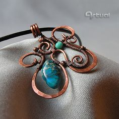Hammered copper wire pendant decorated with blue Sea by Artual