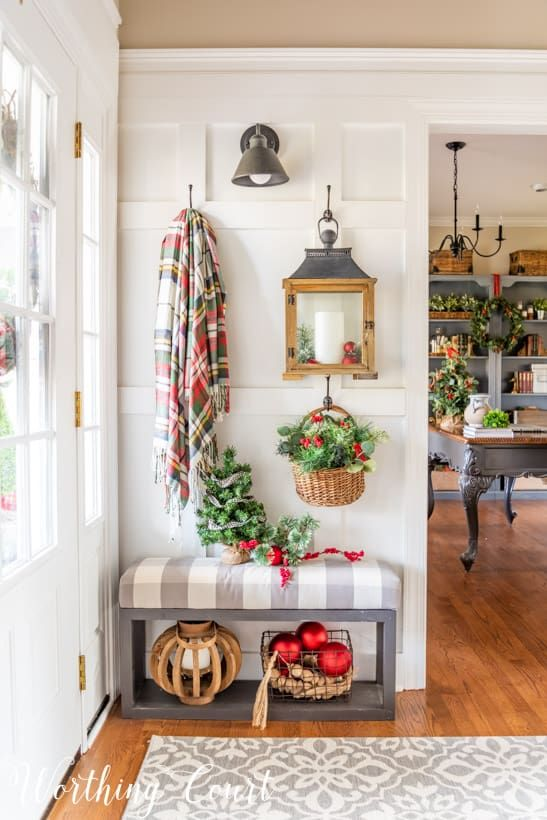 Warm And Welcoming Christmas Entryway Decoracion De Unas Hogar