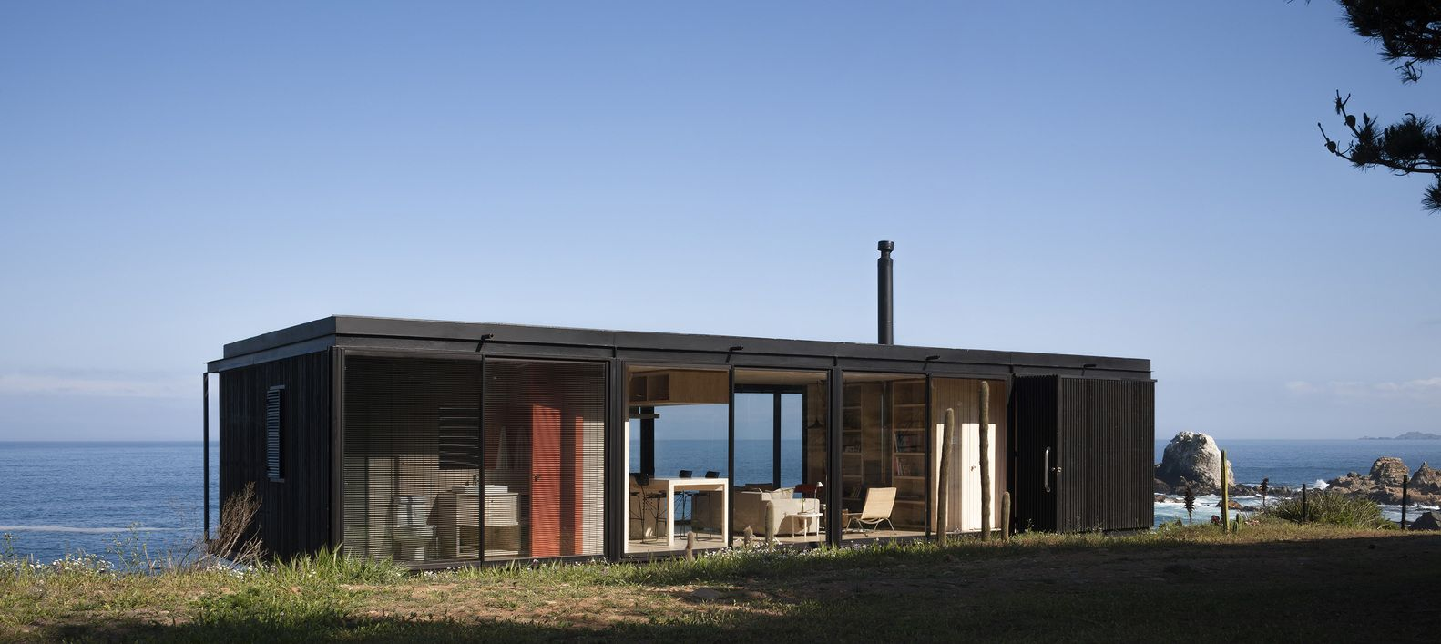 Gallery of Remote House / Felipe Assadi - 14 | Remote, Prefab and ...