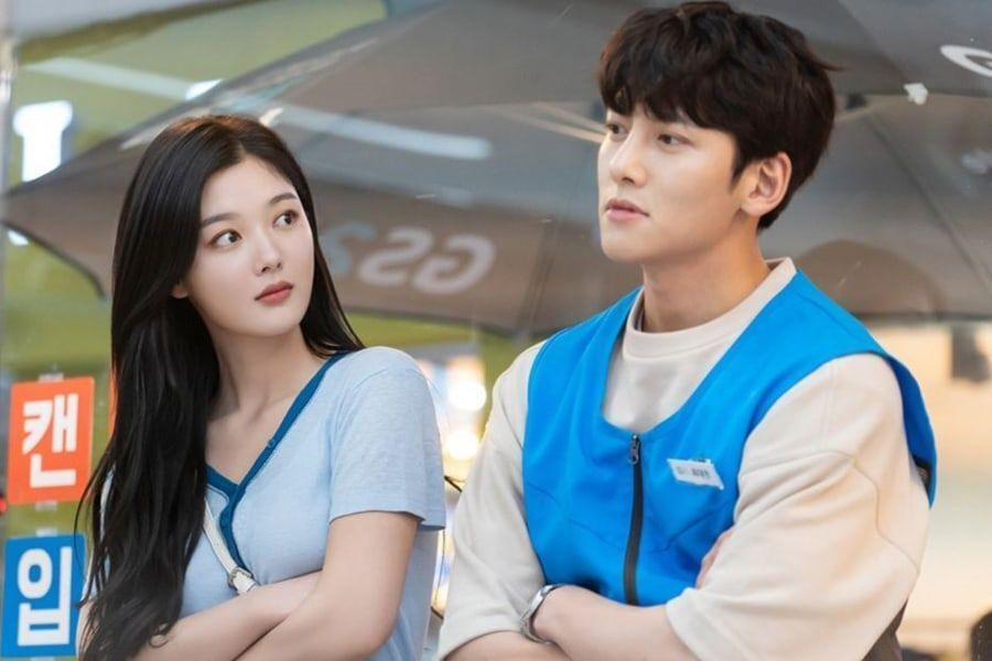 "Ji Chang Wook And Kim Yoo Jung Share What To Look Forward To In ""Backstreet Rookie"""