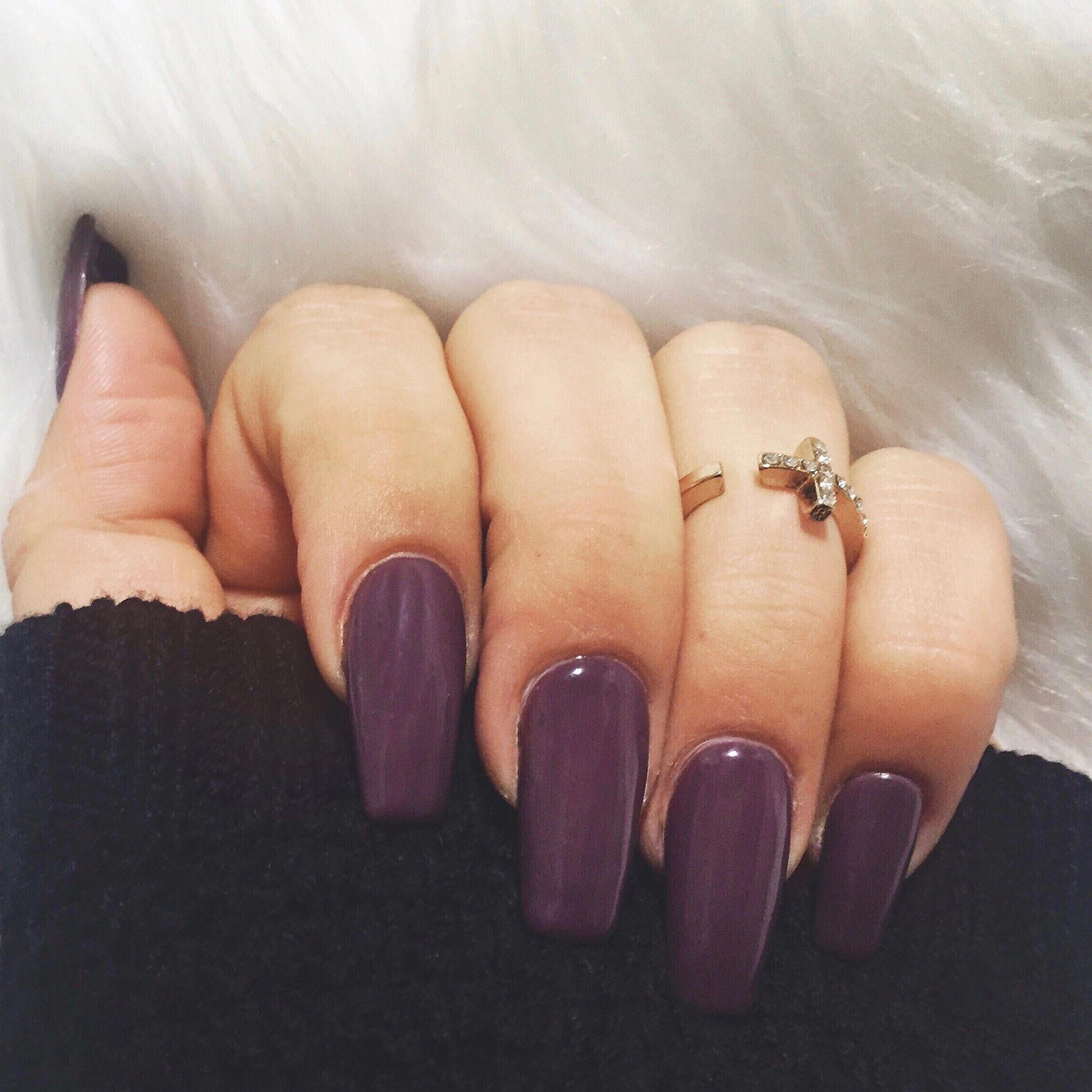 Dark Purple Fall Nails Purple Acrylic Nails Manicure Ideas Manicure Inspo Midi Ring Acrylicnail Purple Acrylic Nails Dark Purple Nails Fall Acrylic Nails