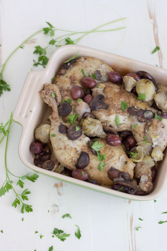 Slow Cooker Chicken with Mushrooms, Olives and Artichokes_-3