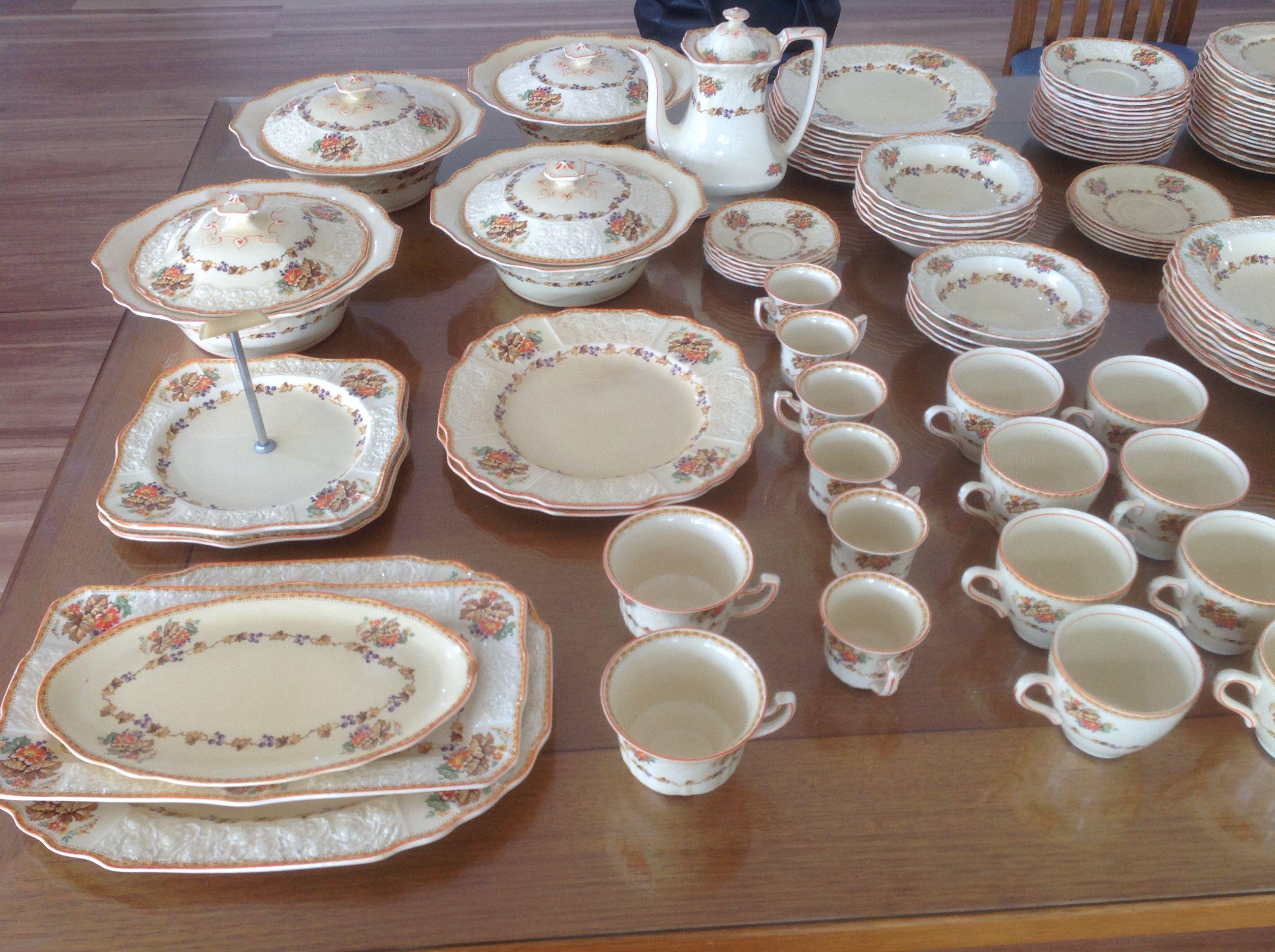 My Collection Of Grandma S Dinner Set Dinner Sets Dinnerware