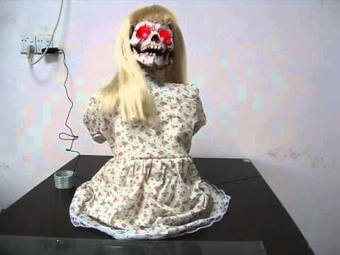 Kneeling Geist Girl