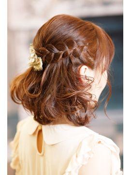 ボブ ハーフアップ アレンジ 結婚式の髪型で 人気のヘアスタイルをご