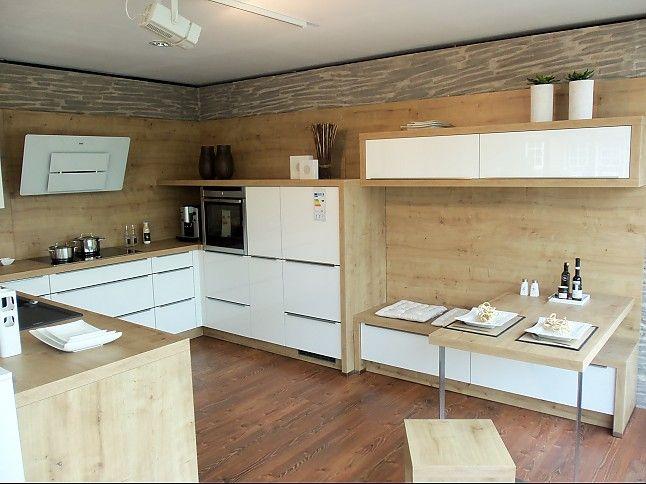 Frei geplante Einbau-Küche in U-Form in Weiß \ Holz Küchen - küchenspiegel aus holz