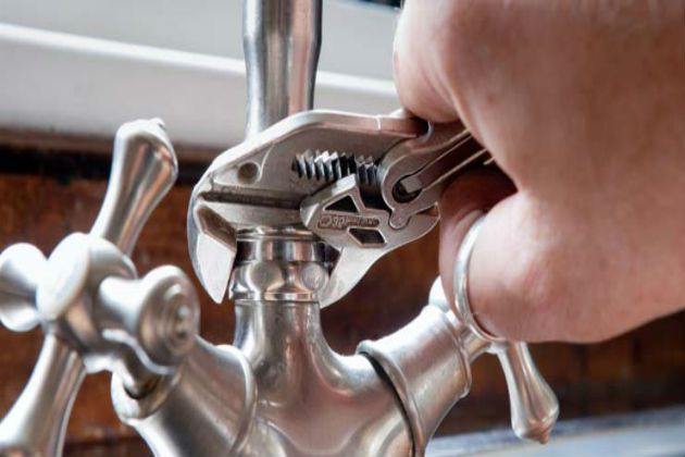 A dripping tap is the source of a severe concern in any household. As such, there are innumerable other instances when services of plumbing experts are required on urgent basis. As such, plumbers in Western Australia who are licensed by the Plumbers Licensing Board are legally entitled to perform various plumbing jobs.