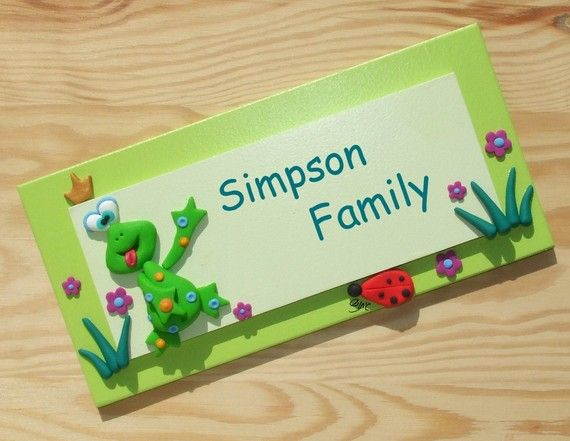 personalized Wooden door sign - Lovely GREEN FROG with red LADYBUG ...