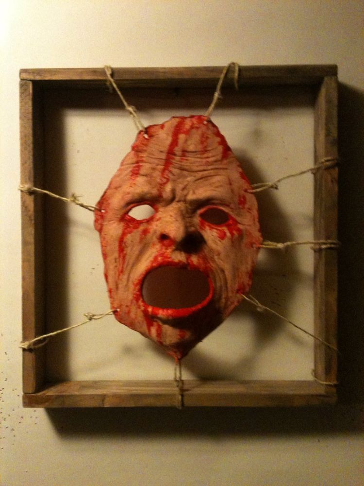 Bloody Dead Skin Framed Face Halloween Haunt Prop Fx Gory