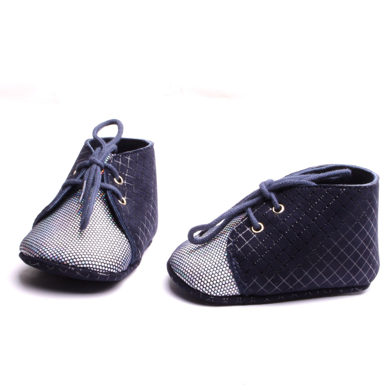 Chaussure nouveau-né chaussons bébé cuir souple création fait à la main  petite production artisanale made in France. de la boutique ByModeFrance  sur Etsy 4a96da29a857