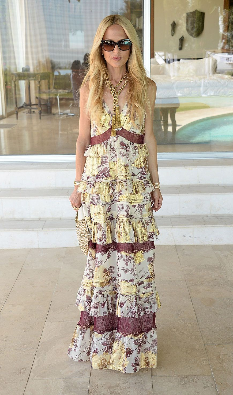 These Boho Outfits Are Worth Copying Even If You Re Not Going To Coachella Rachel Zoe Rachel Zoe Style Maxi Dress [ 1471 x 870 Pixel ]