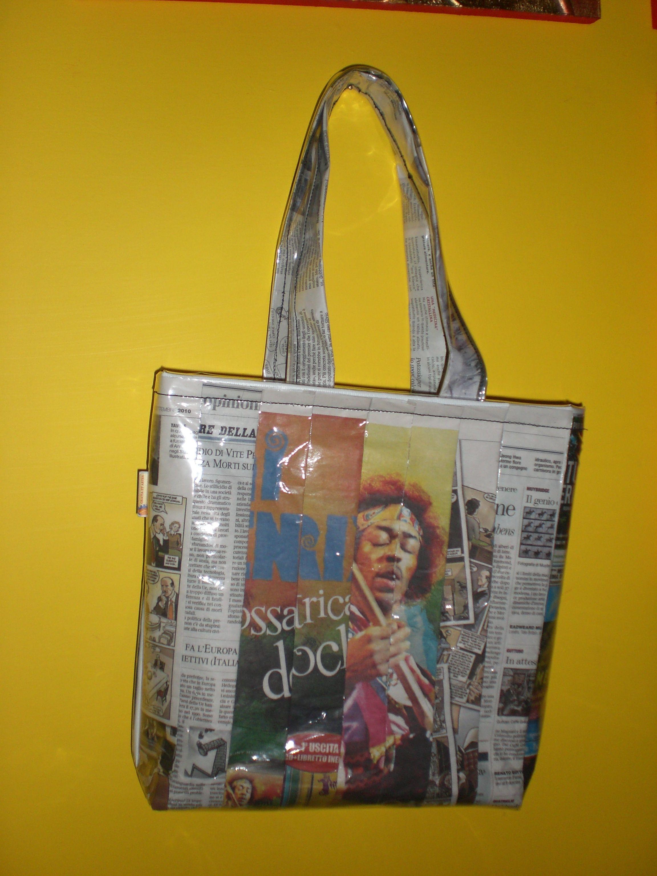 Borsa intrecci di carta, shopper con quotidiani #soreadystyle #riciclo #pvc #bag #banner #quotidiani - di So.Ready Lab - soreadylab.etsy.com