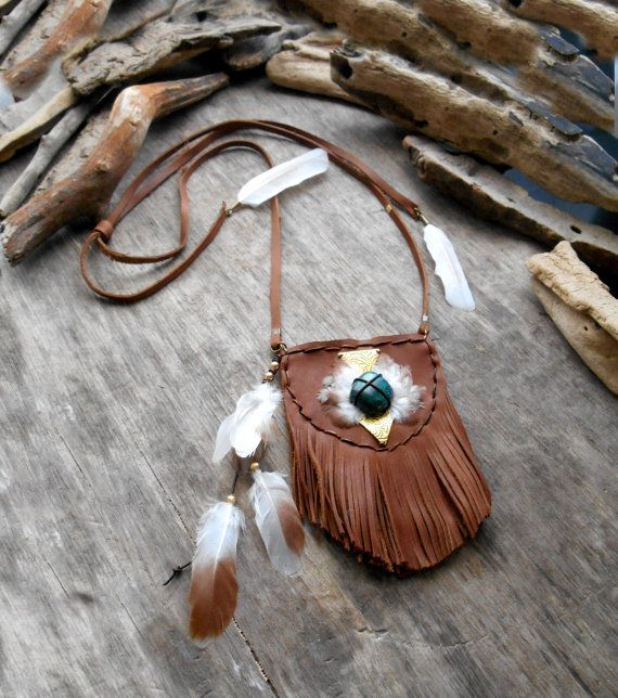 """Beautiful """"NATIVE AMERICAN Pouch Medicine Bag Inspired"""" Leather, Chrysocolle stone, Feathers, Laiton, Bronze apprets, Leather cordon"""