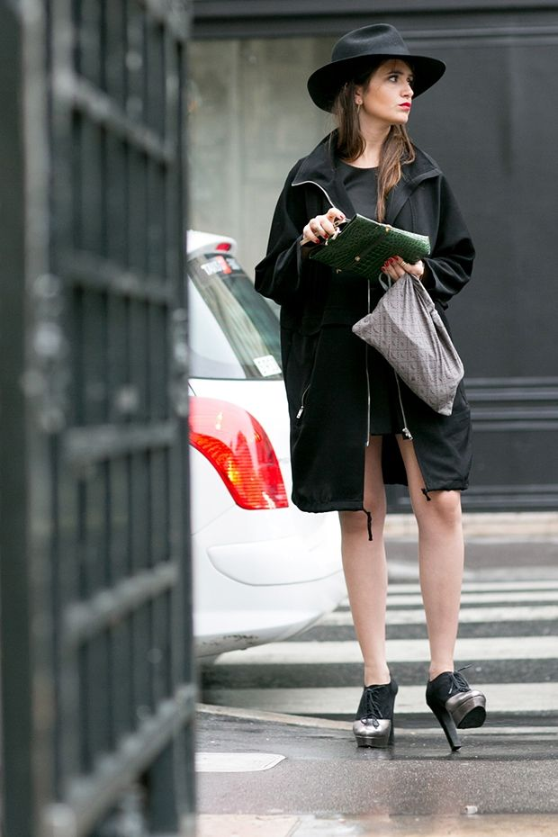 So cool dressed on head to toe black.  Paris #HC #FW14