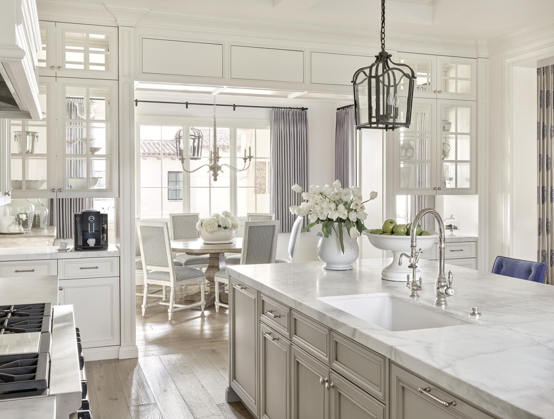 Best Private Residence 1 Lissa Lee Hickman Kitchen 640 x 480