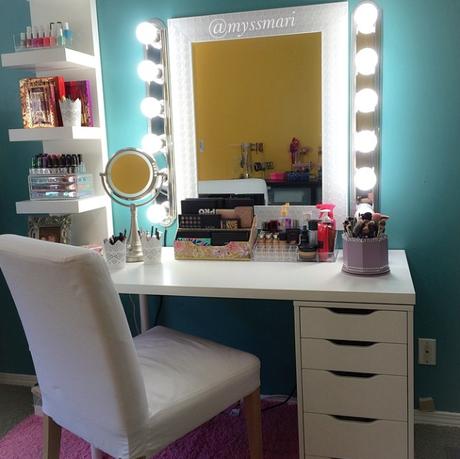de bien jolis rangements maquillage sur instagram rangements maquillage rangement et instagram. Black Bedroom Furniture Sets. Home Design Ideas