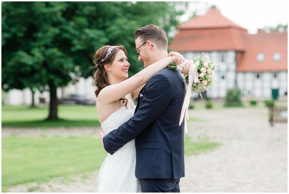 Hochzeitsfotos Gut Bisdorf Hochzeitsfotografin Hannover Moderne Hochzeitsfotos In 2020 Hochzeitsfotos Hochzeitsfotograf Hochzeit