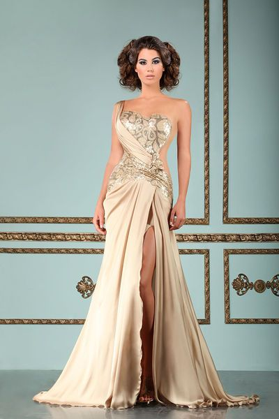 Mireille Dagher - Ready-to-Wear - Fall-winter 2012-2013  http://en.flip-zone.com/fashion/ready-to-wear/independant-designers/mireille-dagher-3155