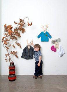 NOtoys #kapstok  Hang friend       NOtoys is een nieuw #design #label voor kinderen èn ouders. De pay off 'For kids, for grown-ups, for life!' wordt ingevuld door producten te maken waar #kinderen echt mee spelen, die aansluiten bij de stijl van moderne ouders en die bovendien duurzaam zijn.    Meer informatie over #woninginrichting: http://www.wonenwonen.nl/woninginrichting/notoys-kapstok/5165
